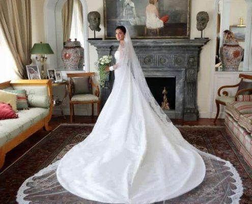 Maria Vittoria Paolillo ha scelto per le sue nozze un abito da sposa Atelier Emè