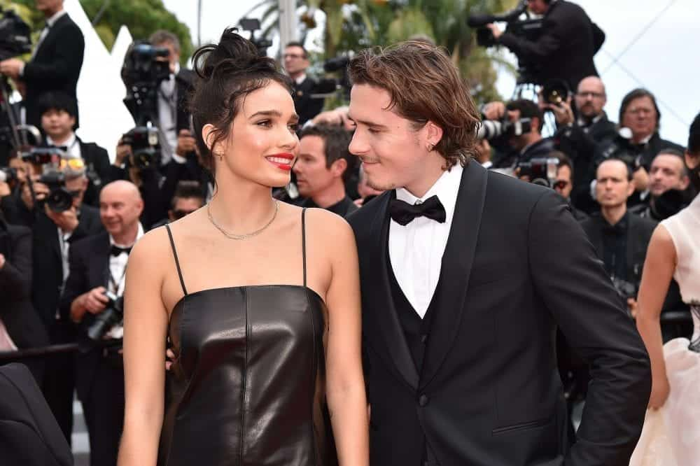 abiti-primavera-estate-2019-salvatore-ferragamo-modella-hana-cross-brooklyn-beckham-festival-cinema-cannes