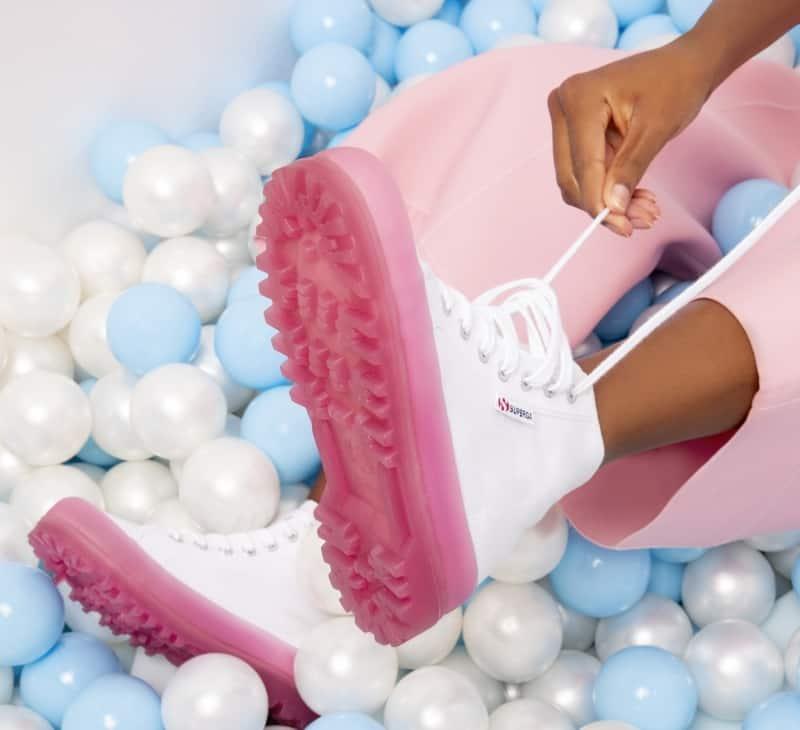 La nuova scarpa da donna Superga primavera-estate 2020 Alpina Jellygum