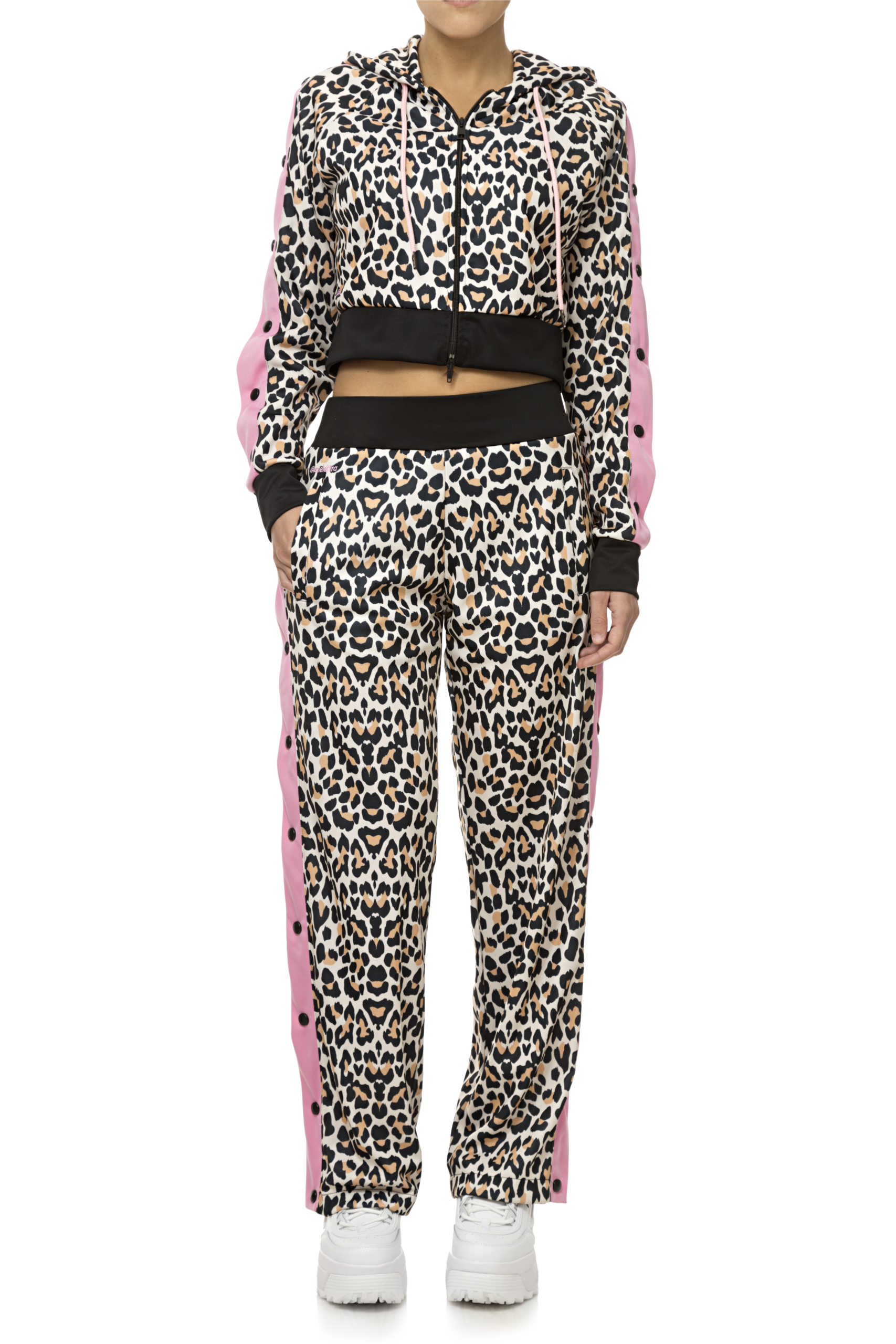 Tuta donna leopardata  Elettra Lamborghini moda primavera estate 2020 (37)
