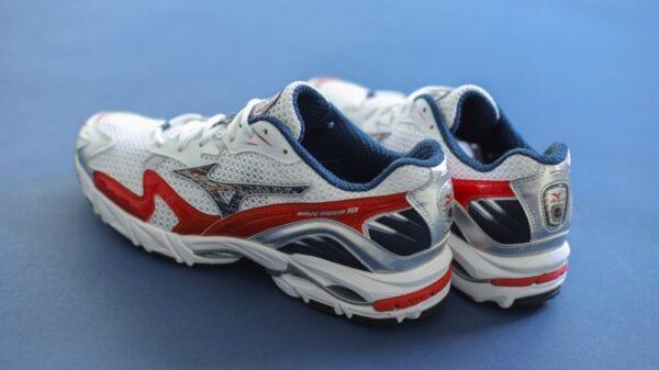Le-nuove-sneaker-Mizuno-Wave-Rider-10-