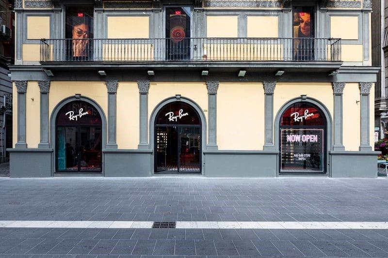 Il nuovo negozio monomarca Ray-Ban a Napoli in via Toledo