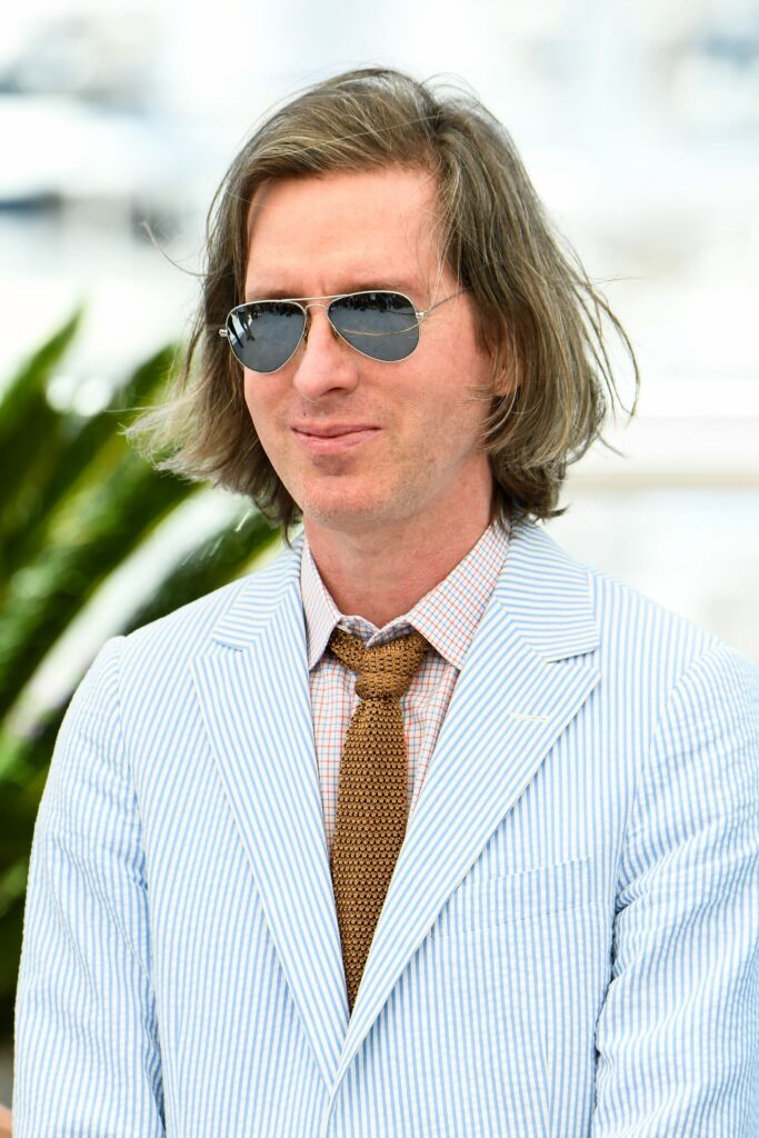 Wes Anderson indossa occhiali Ray-Ban Aviator