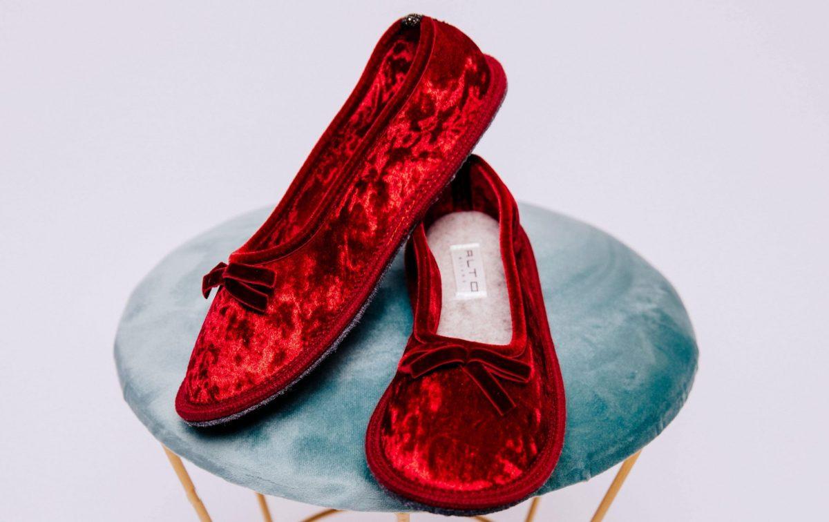 La classe mette le pantofole, ecco le nuove slippers di Alto Milano
