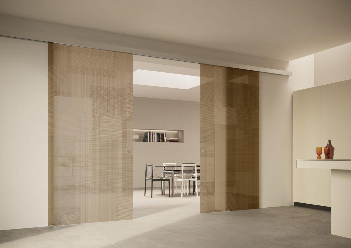 Le porte scorrevoli in vetro Scenario Visio e Visio Up di FerreroLegno: ambienti ad alto tasso di design