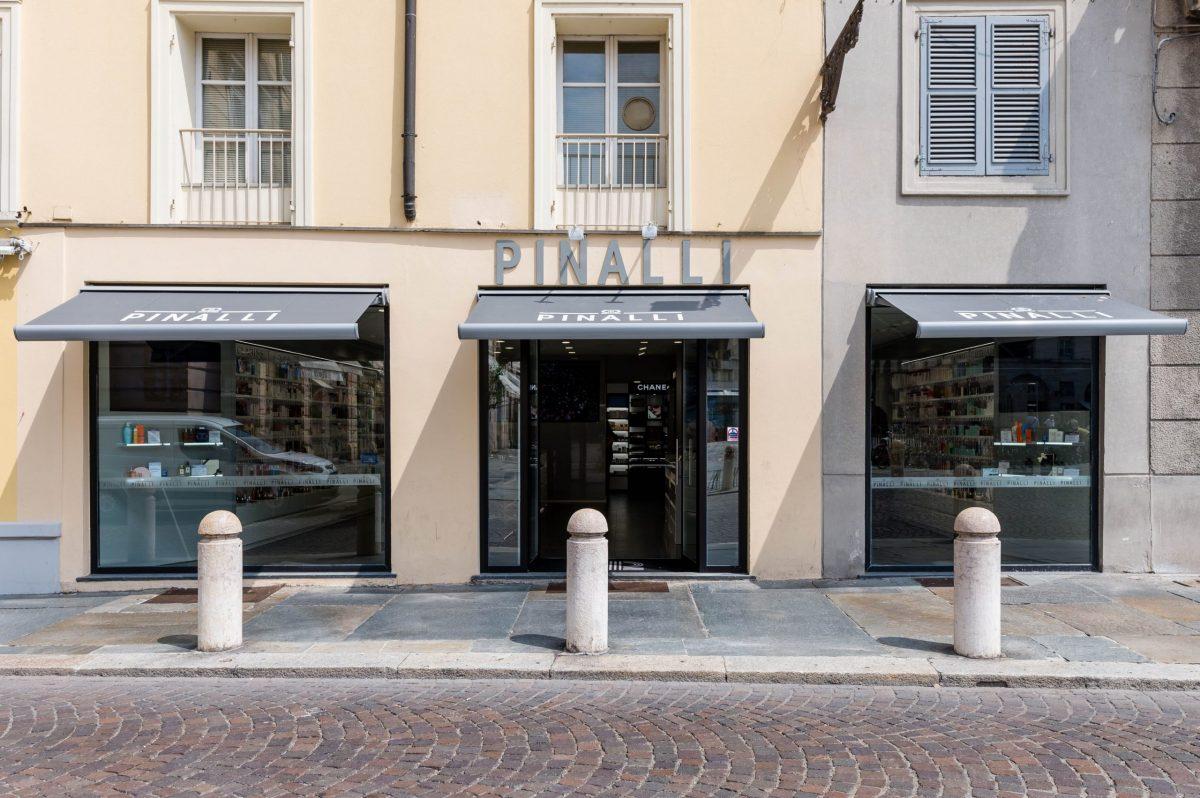 Lo store di Pinalli a Parma in Piazza Garibaldi 21