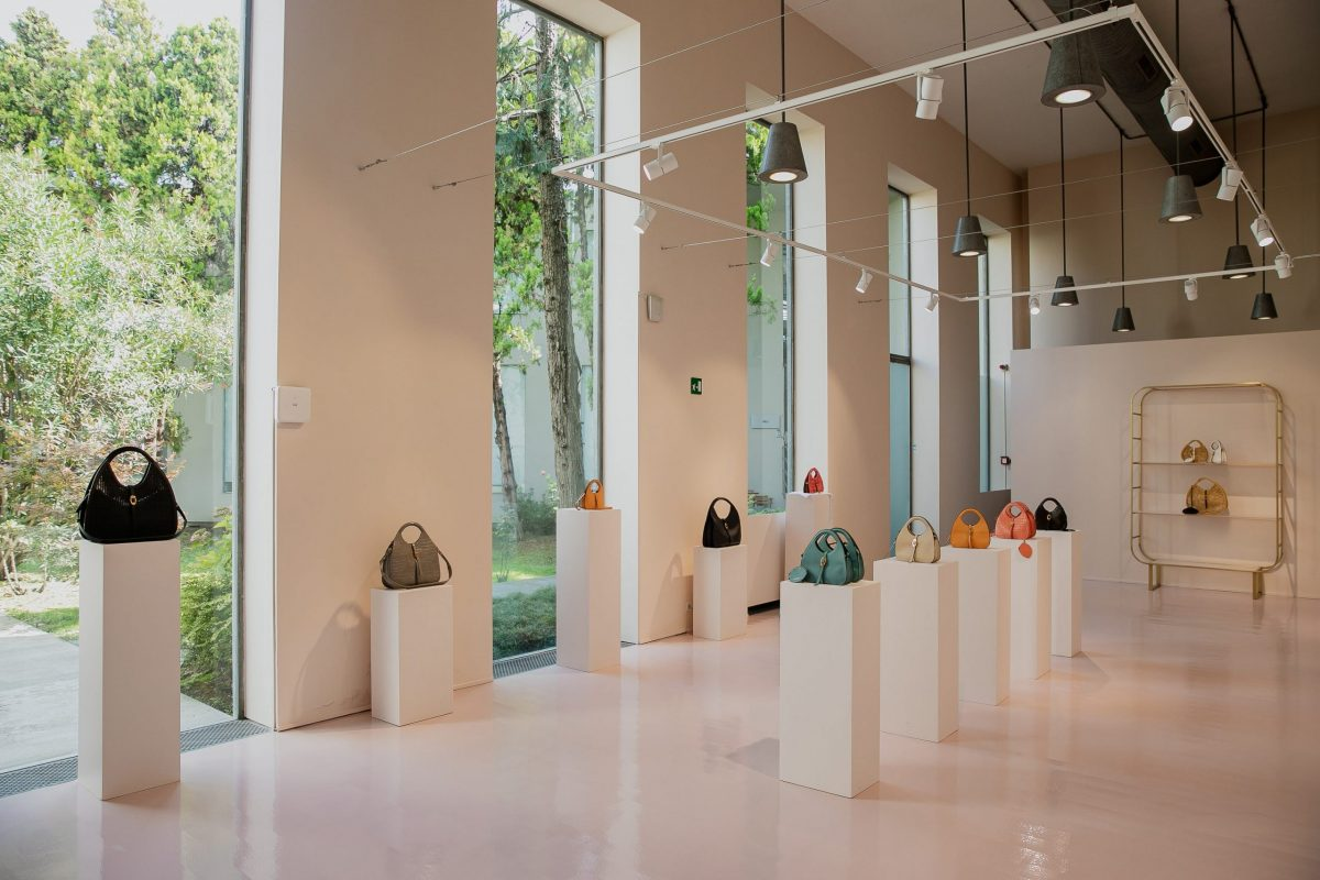 COCCINELLE - NUOVO SHOW ROOM via Forcella Milano Porta Genova -